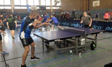 Tischtennis: Lukas Bosbach schlägt sie alle