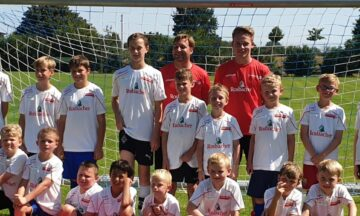 20 Fußballkids in der Fußballschule