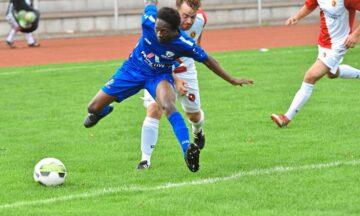 Fußball: Sven Hehl greift zur Pfeife