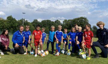 Fußball: Mini-Kicker auch im Sommer auf Torejagd