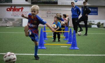 Mini-Kicker ziehen in die Halle um