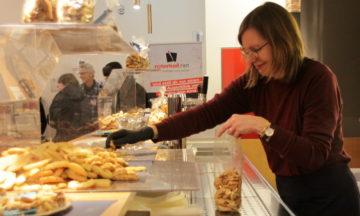 DJK-Bäckerei beim Weihnachtsmarkt am Ballenlager