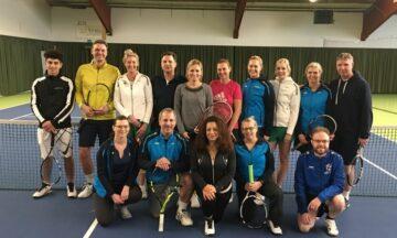 Tennis: Mutter und Sohn auf Titeljagd
