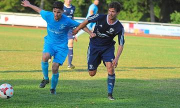 Fußball: Mittelgroßer Start für Klein